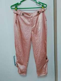 🚚 全新亮面涼感粉色七分褲