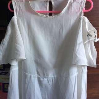 Baju Off Shoulder Putih