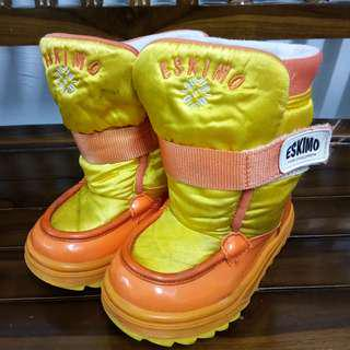 SNOW BOOTS FOR BOYS ( SIZE 25/26 )