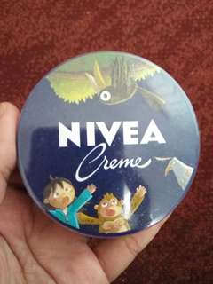 PRELOVED NIVEA CREME