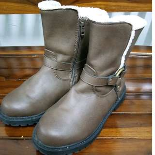 WINTER BOOTS (SIZE 28)