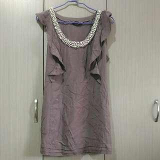 DOROTHY PERKINGS藕紫色大U領綴飾大小珍珠無袖短洋裝長版上衣