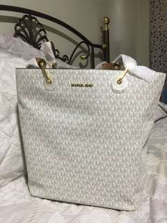 Michael Kors Raven Large Tote bag with sling