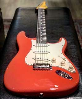 Suhr Classic Pro SSS Fiesta Red