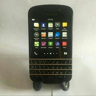 Blackberry Q10 and Battery Bundle Charger BONUS earphone Ori LENOVO
