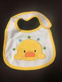 🚚 Assorted Carter's Baby Bibs
