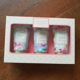 🚚 Ashlyn anne hand cream set