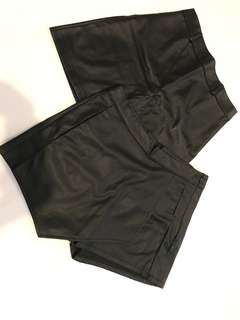 Leather bottom (bawah) leather skirt (atas)