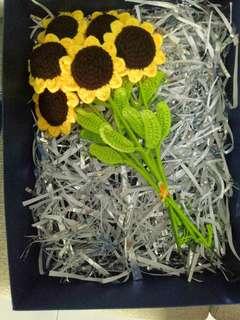 🚚 Sunflower crochet bouquet