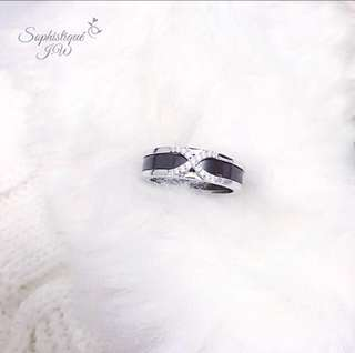 Black ceramic ring! 🔳s925