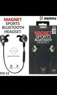 MAGNETIC BLUETOOTH EARPHONES