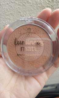 (INC POS) Essence Luminous Matt Bronzing Powder