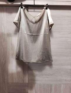 🚚 PATRIZIA PEPE 義大利精品 真絲上衣 銀灰色