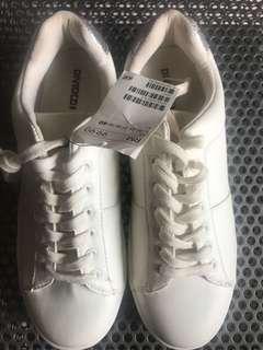 White sneaker H&M
