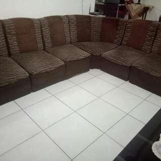 1 Set Sofa & Meja