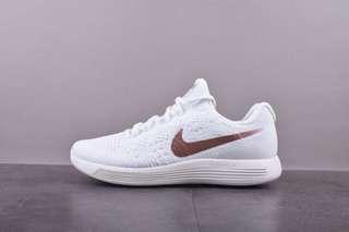 Nike LunarEpic Low Flyknit 2 網面透氣緩震跑步鞋