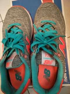 🚚 New Balance 574復古慢跑鞋