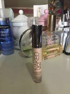 Urban Decay Naked skin weightless complete coverage concealer repriced 600