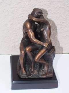 Bronze statue: The Kiss by Rodin
