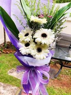 Flowers - Hand Bouquet