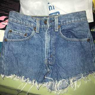 Levi's HW shorts
