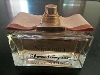 Jual parfum channel. Dan signorina