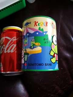 青蛙仔Keroppi 日本銀行出的絕版1993年鐵筆筒/錢缸