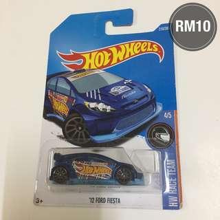 '12 Ford Fiesta