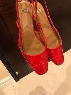 🚚 ZARA 紅色漆皮鞋