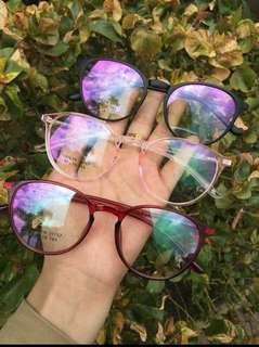Replaceable lens