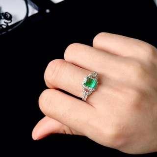 🚚 18K金鑲祖母綠戒指 主石0.64ct金重2.48g鑽石46份  附贈證書和精美盒子 支持全國複檢