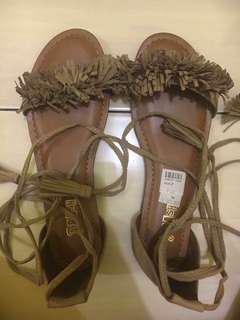 NEW! Sepatu Sandal Payless Brash