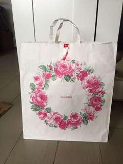 Paper bag Takashimaya