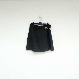 🚚 二手 黑白 格紋 金屬鑽飾 高腰 短裙 明太子 703