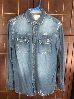Zara Man Distressed Denim Longsleeve Shirt size medium