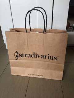 Paper bag Stradivarius