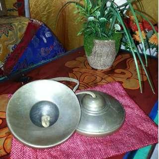 🚚 TIBETAN BUDDHIST MEDITATION HAND BELLS TINGSHA CYMBALS.