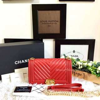 Chanel Chevron Le Boy in Lambskin GHW 25cm
