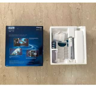 Oral B Genius 8000 Electric Tooth Brush