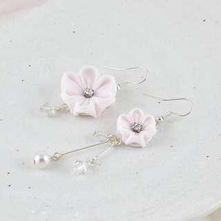 🚚 Dainty flower dangle earrings in pale pink with crystals and pearls, flowers delicate earrings, mismatched earrings, floral earrings