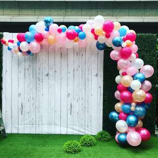 Weddings balloon decoration organic arch