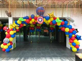 Custom balloon arch