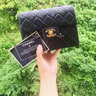 (SOLD)Chanel Vintage 黑色羊皮 Mini Flap 18cm