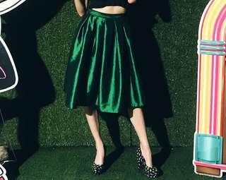 Emerald green poofy midi skirt