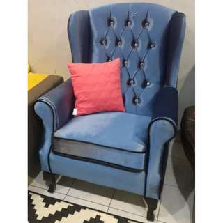 HOLLAND WING CHAIR
