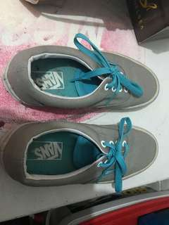 VANS authentic snickers