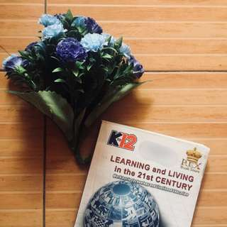 Learning & Living In the 21st 10 (REX Book Store)