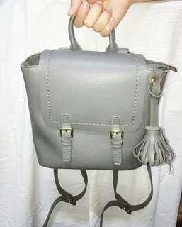 🚚 灰色兩用後背包(可肩背)#女裝半價拉