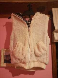 Fluffy hoddie vest