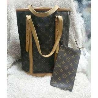 LV shoulder bag with pouch 上膊手袋